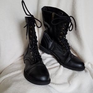 Military look ankle boots